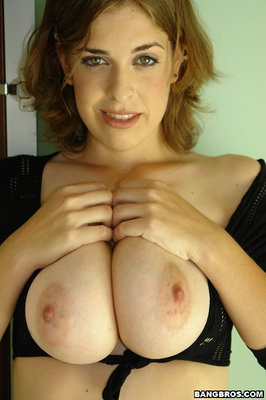 Brianna bragg big tits round asses